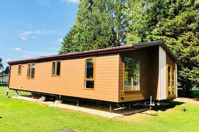 Thumbnail Lodge for sale in Crow Lane, Great Billing