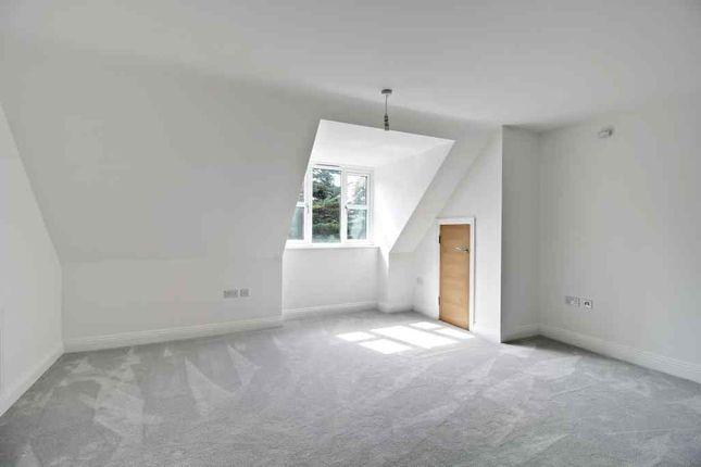 2 bedroom flat for sale in Carter Court, Hook