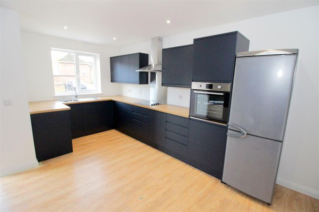 Thumbnail Property to rent in Mottram Close, Norwich