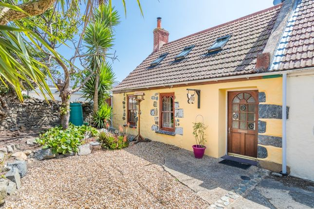 Thumbnail Cottage for sale in Southside, St. Sampson, Guernsey