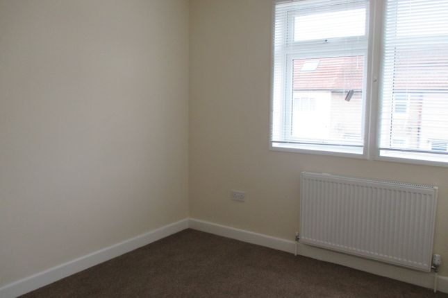 Bedroom 2 of Arrowsmith Path, Hainault IG7