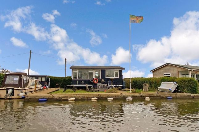 2 bed detached bungalow for sale in North West Riverbank, Potter Heigham, Great Yarmouth NR29