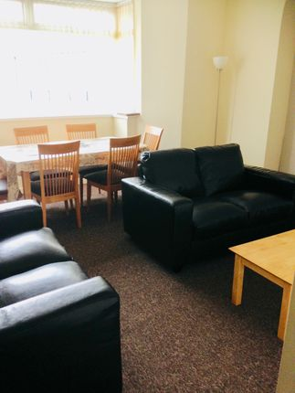 Thumbnail Shared accommodation to rent in Flat 1, 23 Phillips Parade, Swansea