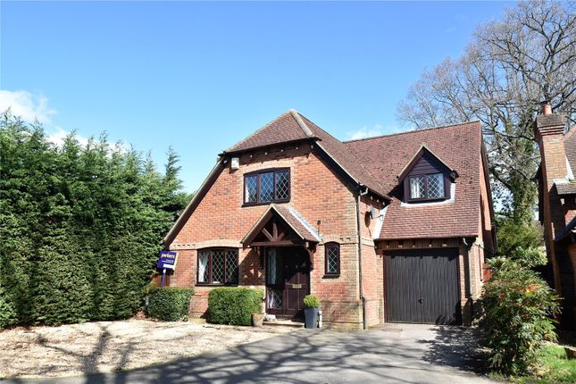 Thumbnail Detached house for sale in Saunders Garden, Tadley, Hampshire