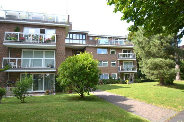 Thumbnail Flat for sale in Park Avenue, Eastbourne