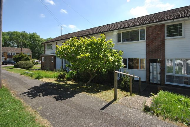 Thumbnail Terraced house to rent in Greenacres, Oxted
