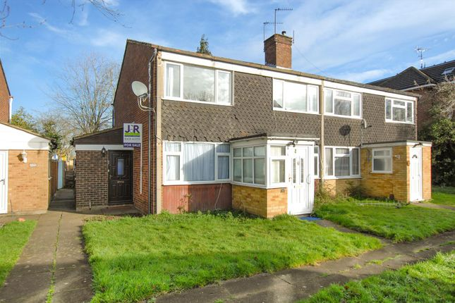 Thumbnail Maisonette for sale in Patricia Close, Cippenham, Slough