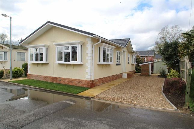Thumbnail Mobile Park Home For Sale In Mayfield West Drayton Middx