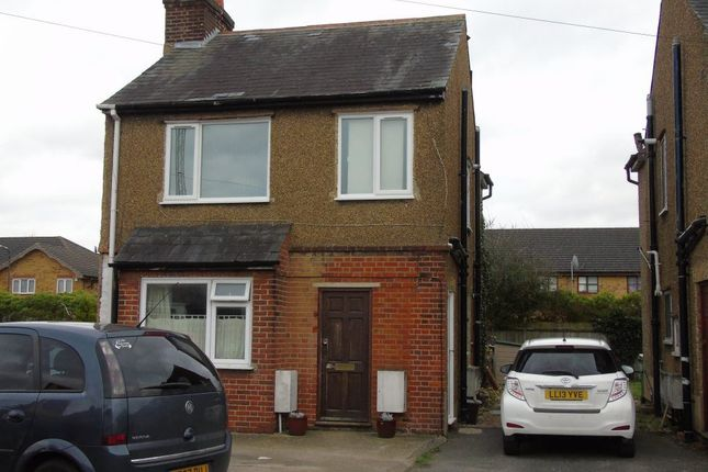 Thumbnail Flat to rent in Fleetwood Road, Slough