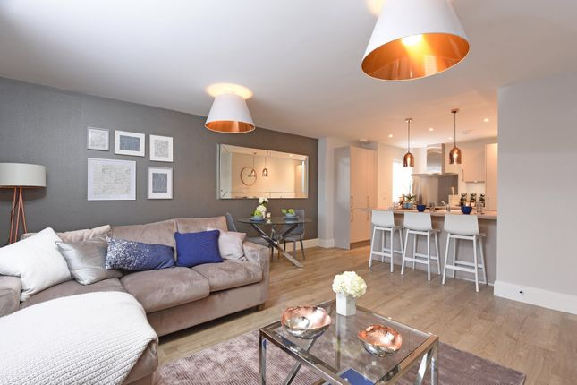 Thumbnail Flat for sale in High Street, Sandhurst