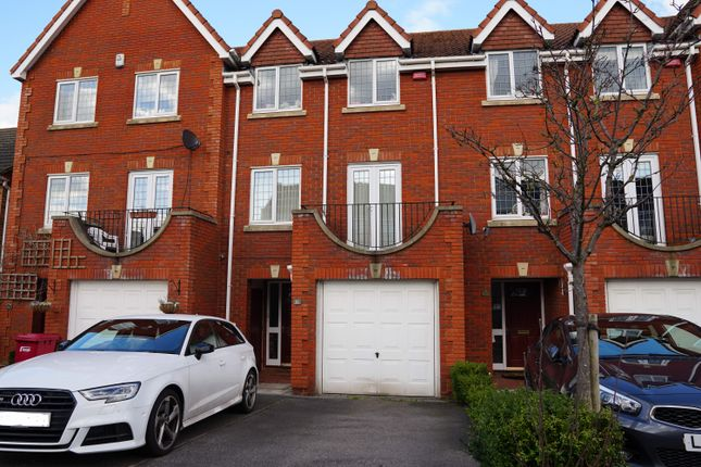 Thumbnail Terraced house to rent in Grasholm Way, Slough