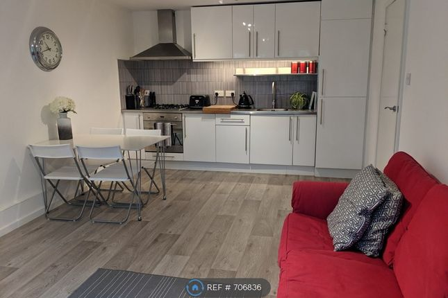 Thumbnail Flat to rent in Cranborne Close, Potters Bar