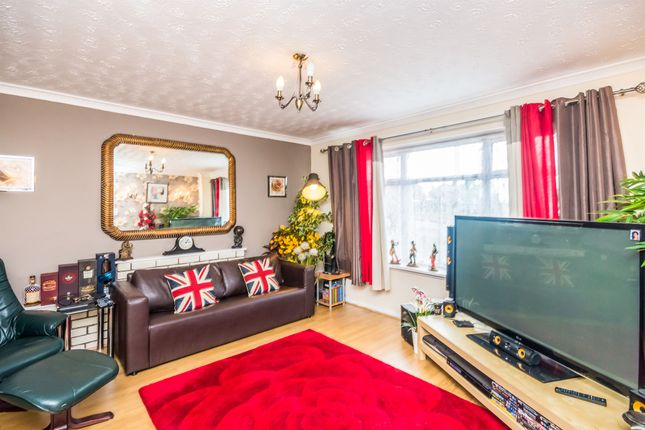 3 bed semi-detached house for sale in Derwent Close, Brierley Hill