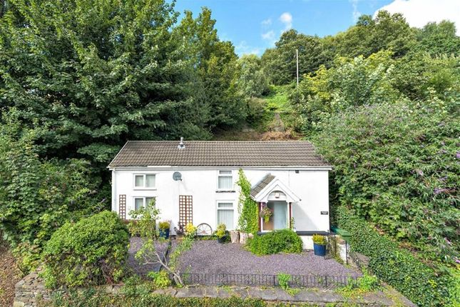 Thumbnail Cottage for sale in Ynysangharad Road, Pontypridd
