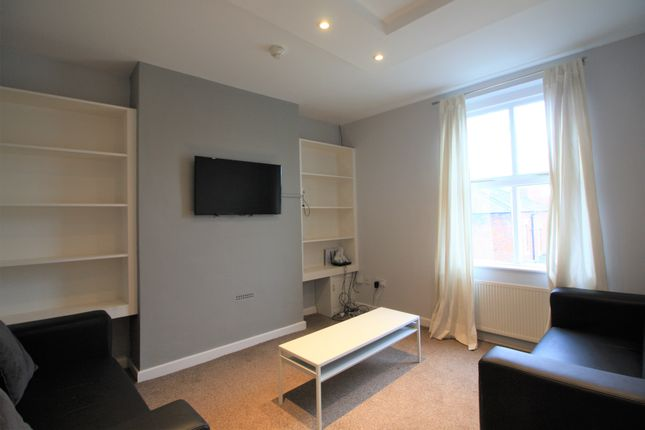 3 bed flat to rent in Raymond Street, Chester, Cheshire CH1