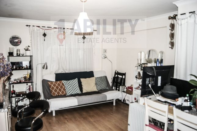 Thumbnail Flat to rent in Nelson Square, London