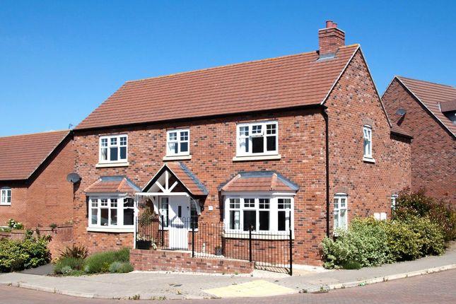 Thumbnail Detached house for sale in Badgers Way, Bishopton, Stratford-Upon-Avon, Warwickshire