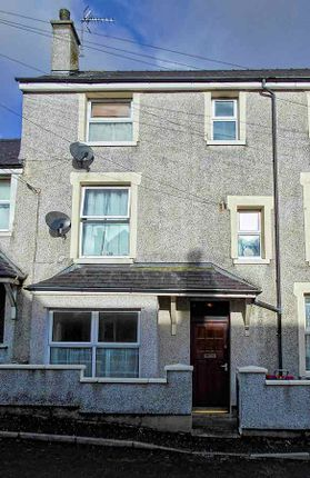 Room to rent in Tara Street, Holyhead LL65