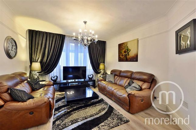 4 bed semi-detached house to rent in Temple Grove, London