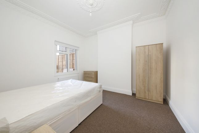 Room to rent in Drakefell Road, London SE4
