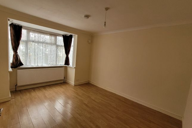 Thumbnail Terraced house to rent in Hanson Gardens, Southall