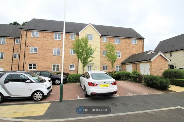 2 bed flat to rent in Hinterland House, Harold Wood, Romford RM3