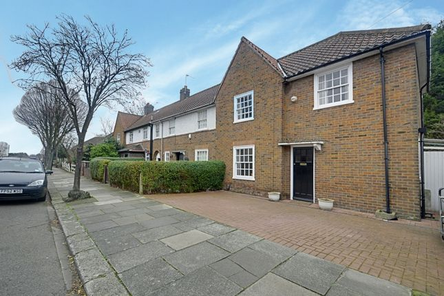 Thumbnail Terraced house to rent in Saxon Drive, Acton