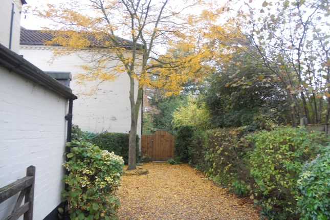 Thumbnail Semi-detached house to rent in Harford Manor Close, Norwich