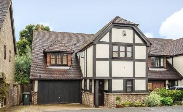 Thumbnail Detached house to rent in Court Meadow Close, Rotherfield, Crowborough