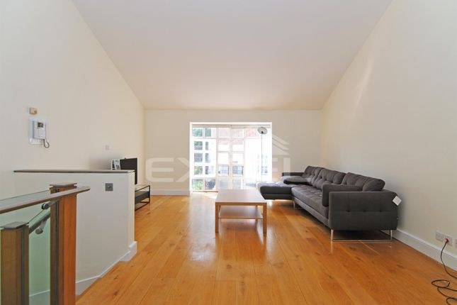 3 bed town house to rent in Graces Mews, Abbey Road, St Johns Wood NW8
