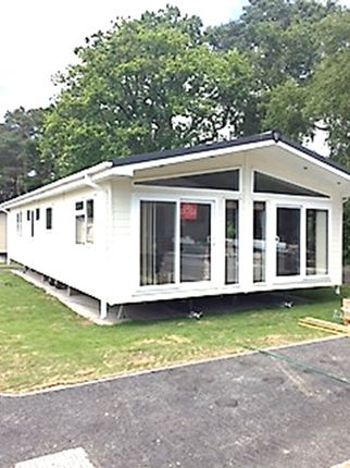 Thumbnail Mobile/park home for sale in Ringwood Road, St Leonards