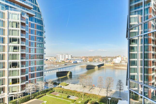Thumbnail Flat for sale in Battersea Reach, London