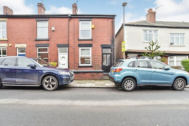 Thumbnail Terraced house to rent in Grosvenor Road, Hyde