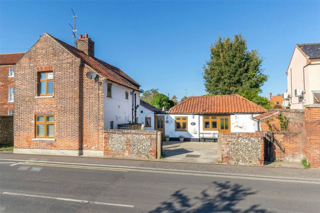 Thumbnail Detached house for sale in Orchard Close, Norwich Road, Fakenham