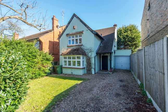 Thumbnail Detached house for sale in Park Lane, Wallington