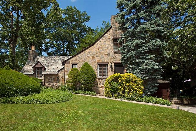 Property for sale in 1 Tudor Lane Yonkers, Yonkers, New York, 10701, United States Of America