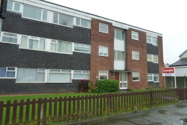 Thumbnail Flat to rent in Hobs Road, Wednesbury