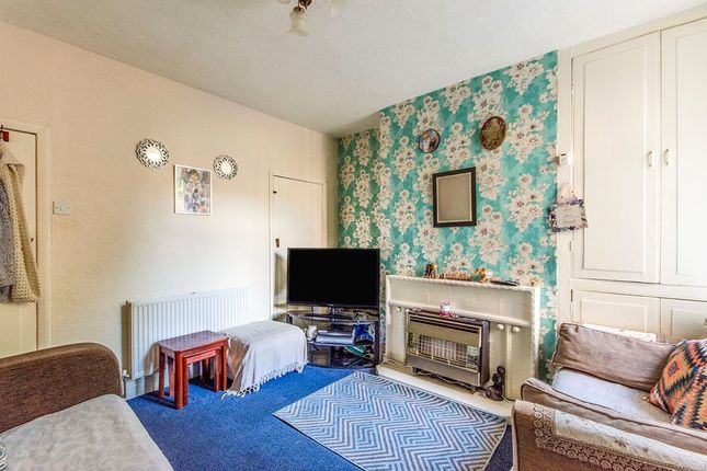 Lounge of Ellerker Avenue, Hexthorpe, Doncaster, South Yorkshire DN4