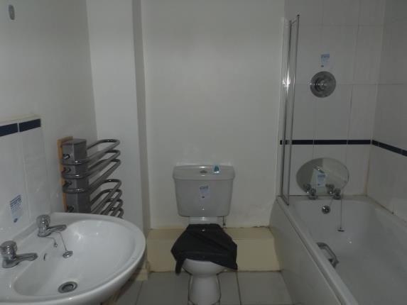 Bathroom of Walton Lane, Liverpool, Merseyside L4