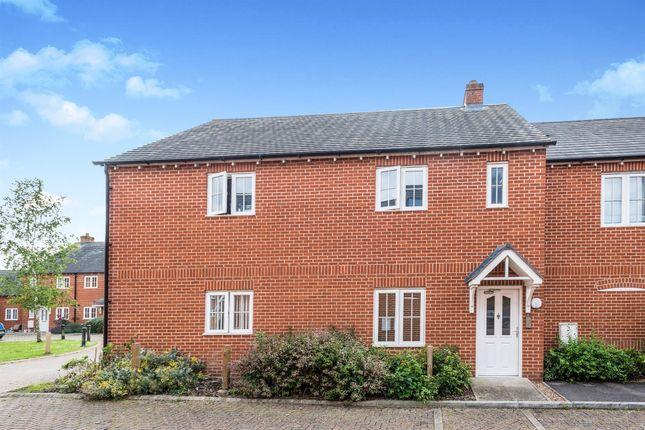 Thumbnail Flat for sale in Bramley Close, Kidlington