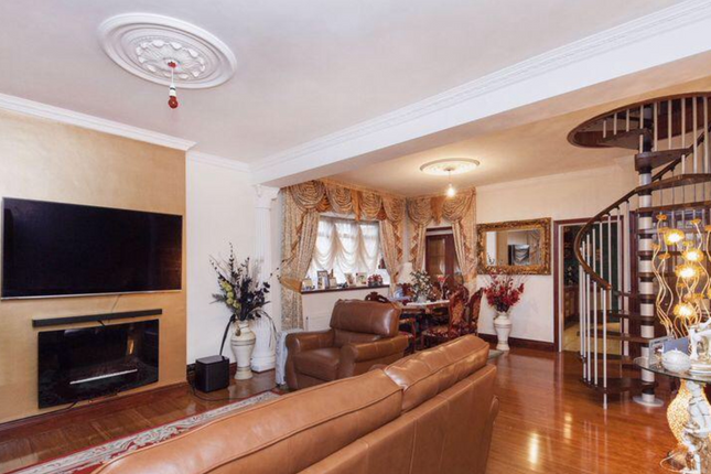 Thumbnail Detached house to rent in Beaconsfield Road, London