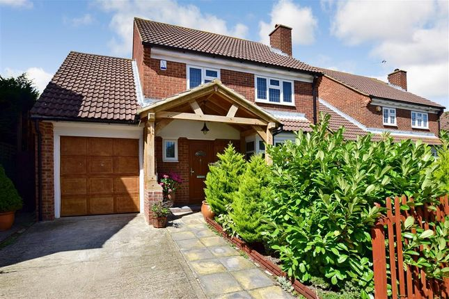 Thumbnail Detached house for sale in Crawfords, Hextable, Kent