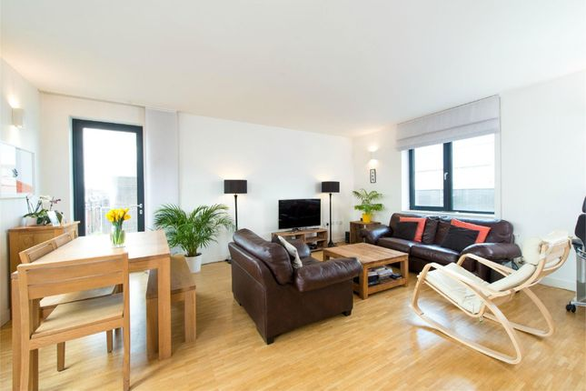 Thumbnail Flat to rent in Leather Lane, London
