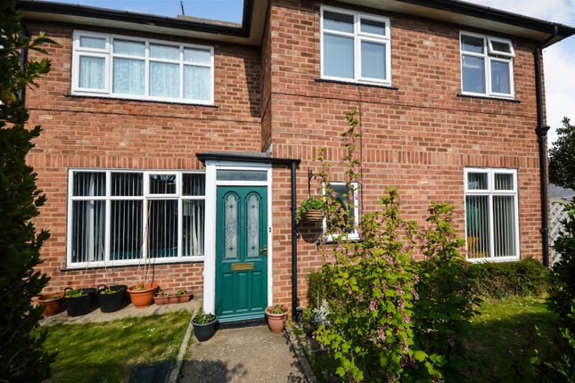Thumbnail Detached house for sale in Grange Avenue, Filey