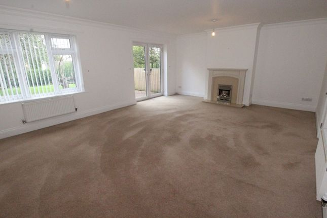 Thumbnail Flat to rent in Seafarers Drive, Woolton, Liverpool