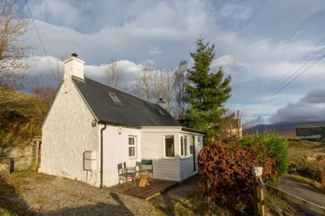 Thumbnail Cottage for sale in Braeroy Road, Roy Bridge