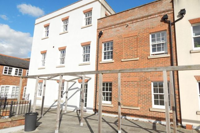 Thumbnail Flat to rent in West St. Helen Street, Abingdon