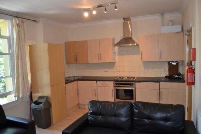 Thumbnail Shared accommodation to rent in The Walk, Roath, Cardiff