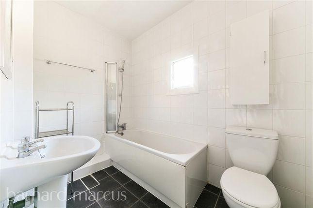Bathroom of Selcroft Road, Purley CR8