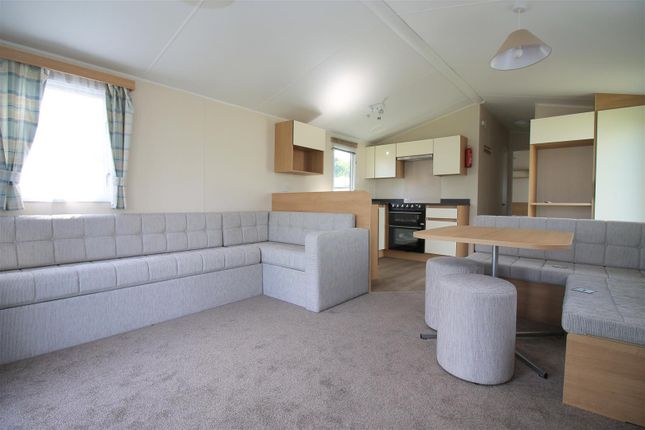 Lounge / Kitchen of Henfield Road, Small Dole, Henfield BN5